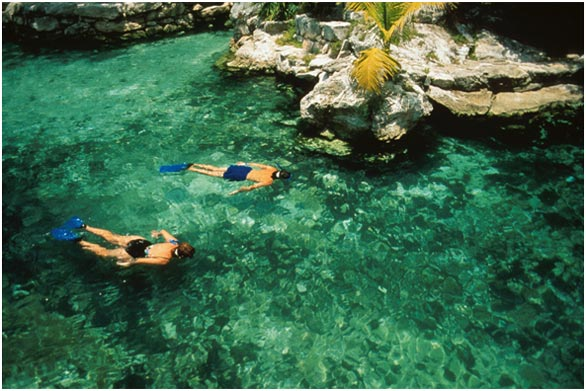 http://www.viajesestudiantiles.com/site/images/servicios/photobox-cancun/cenotes.jpg