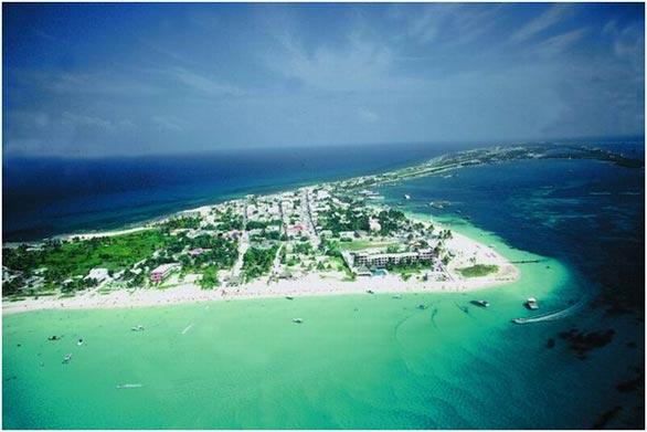 http://www.viajesestudiantiles.com/site/images/servicios/photobox-cancun/islamujeres.jpg