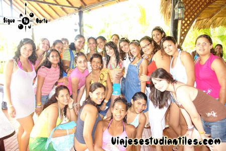 http://www.viajesestudiantiles.com/site/images/servicios/photobox-margarita-quinceaneras/OPQ08-0021.jpg