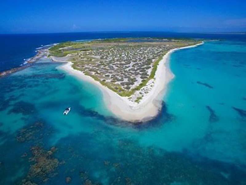 http://www.viajesestudiantiles.com/site/images/servicios/photobox-tortuga/5a20a4e7bb4b862b5c3dc47d40549e16.jpg