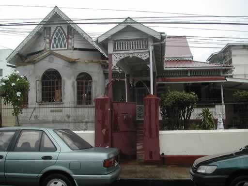 http://www.viajesestudiantiles.com/site/images/servicios/photobox-trinidad/Casas_de_Familia_JPG.jpg