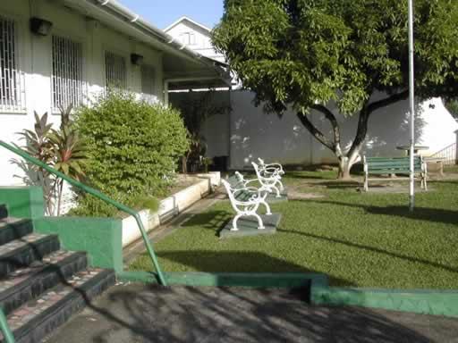 http://www.viajesestudiantiles.com/site/images/servicios/photobox-trinidad/Instituto_Nigest_Jardin_JPG.jpg