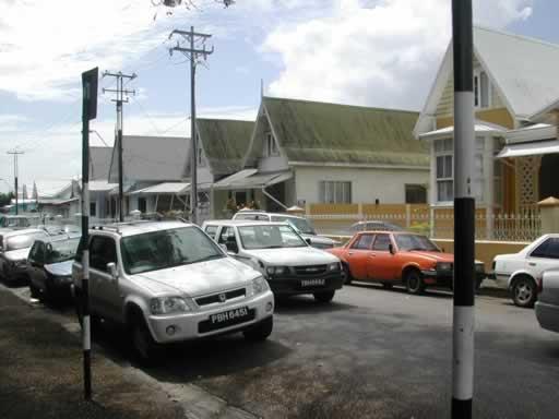 http://www.viajesestudiantiles.com/site/images/servicios/photobox-trinidad/Woodbrook_Calles_2_JPG.jpg