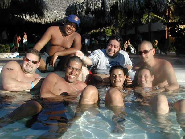 http://www.viajesestudiantiles.com/site/images/servicios/photobox-universitario-puntacana/UPC02H01.jpg