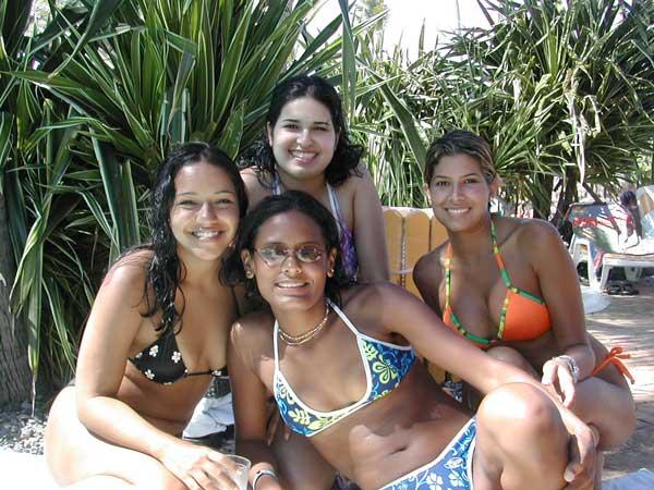 http://www.viajesestudiantiles.com/site/images/servicios/photobox-universitario-puntacana/UPC02H02.jpg