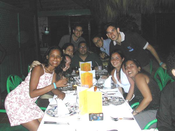 http://www.viajesestudiantiles.com/site/images/servicios/photobox-universitario-puntacana/UPC02H07.jpg